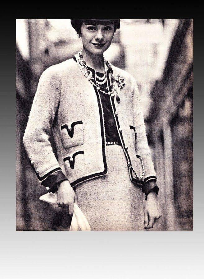 Tailleur Chanel, 1954, imagen de Pinterest.